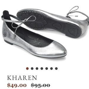 NWOT Born Kharen Flats in Silver 8.5